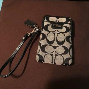 COACH PHONE/smoke pouch/wristlet in silver/black